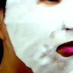 Способ применения пузырьковой очищающей маски Bomb Pack Milky Dress Корея